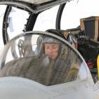 صور: أول خليجية تقود طائرة مقاتلة