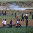 استشهاد طفل واصابة 41 مواطنا على حدود غزة