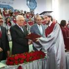 الرئيس عباس يشارك حفل تخريج طلاب مدرسة الفرندز في رام الله