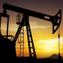 انتعاش أسعار النفط بعد بلوغها أدنى مستوى منذ 18 عاما