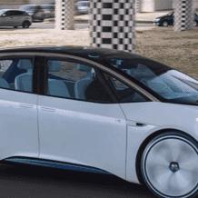 """فيديو: """"فولكس فاغن"""" تطلق سيارتها الكهربائية الأنيقة"""
