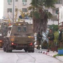 الاحتلال يعتقل 5 مواطنين بينهم أسيرة محررة خلال اقتحام رام الله