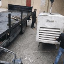 كهرباء القدس تواصل تزويد عدد من المراكز الصحية بالمولدات الكهربائية