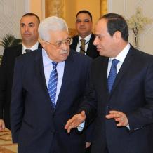 الرئيس يصل القاهرة ويعقد قمة تشاورية غدا