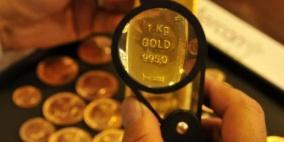 الذهب يلامس أدنى مستوياته