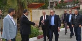 وزير التنمية يتفقد مديريات ومراكز الوزارة بغزة