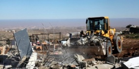 الاحتلال يهدم مساكن ومنشآت في الاغوار