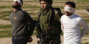 اثناء توجههما لقطف الزيتون.. الاحتلال يعتقل شابين شرق قلقيلية