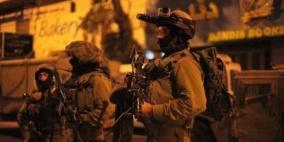 قوات الاحتلال تقتحم عزون وتعتقل اسير محرر من دير استيا