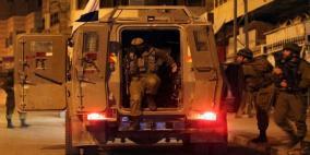 الاحتلال يعتدي على مواطن بالضرب ويعتقله