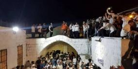 مئات المستوطنين يقتحمون مقام يوسف وتل بلاطة الأثري