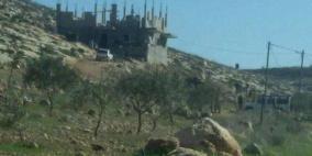 الاحتلال يهدم جزءا من منزل في بيت دجن