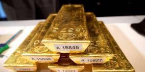 الذهب ينهي الاسبوع على مكاسب مع تعافي الدولار