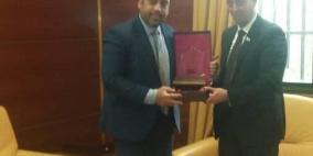 السفارة الفلسطينية في ليبيا تناقش أوضاع الجالية