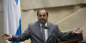 الطيبي يستجوب أردان حول إغلاق التحقيق بسرقة حقيبة محمود درويش