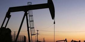 أسعار النفط تتراجع بفعل الصادرات الأميركا
