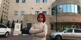 قصة الطفلة انعام التي وصلت رام الله وحيدة لإجراء عملية جراحية