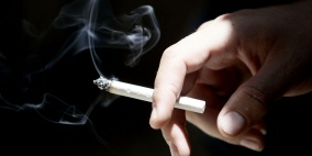 تحذير : التدخين وحبوب منع الحمل يهددان بالجلطة