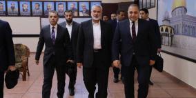 الوفد المصري يلتقي هنية في غزة لبحث استلام الحكومة