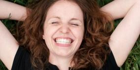 ابتسامتك تتحكم في هرومون التوتر لدى الآخرين