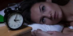علاقة مزعجة بين انقطاع الدورة الشهرية والنوم