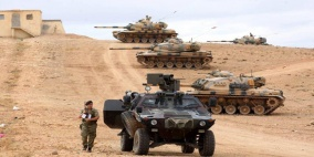 القوات التركية تطوق مدينة عفرين بشمال سوريا
