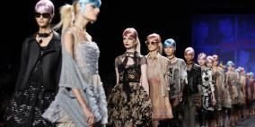 ما سبب ملامح الحزن على وجوه  عارضات الأزياء؟