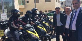 وزير الاتصالات يسلّم البريد مجموعة من الدراجات النارية