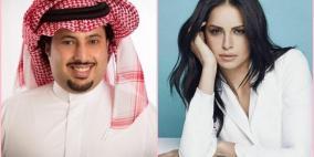الشاعر تركي آل الشيخ  يعتدي بالضرب على آمال ماهر