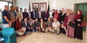 صالح يلتقي عدداً من المعلمين الفلسطينيين في الكويت ويشيد بتميزهم