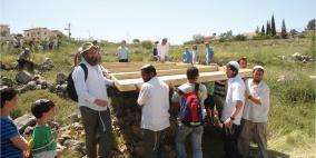 مستوطنون يقيمون بؤرة استيطانية على أراضي بلدة بني نعيم