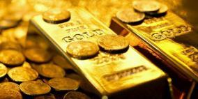 الذهب يبدد مكاسبه المبكرة