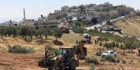 الاحتلال يجرف عشرات الدونمات المزروعة في قرية صور باهر