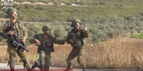 فيديو: هذا ما فعله جندي عندما أصاب فلسطينيًا بالرصاص في نابلس