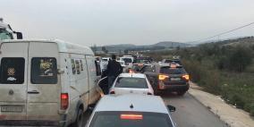 قوات الاحتلال تغلق طريق نابلس قلقيلية