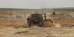 جرافات الاحتلال تتوغل شرق وشمال غزة