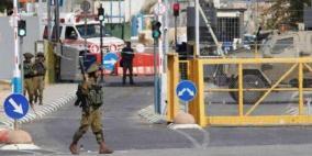 """الاحتلال يطلق النار تجاه شاب على حاجز """"الكونتينر"""""""
