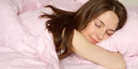 إحذري من  فرد شعرك أثناء النوم