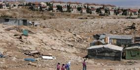 جرافات الاحتلال تشق طريقها لهدم الخان الأحمر