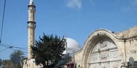 نصب كاميرات مراقبة في مسجد بيافا يثير غضب المصلين
