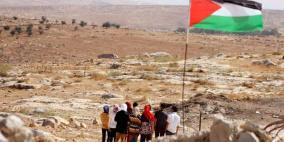 الاحتلال يخطر بهدم مساكن ومدرسة في مسافر يطا