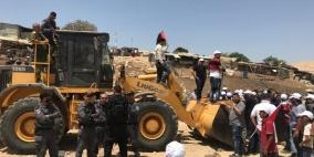 الاحتلال يجمد قرار هدم الخان الأحمر حتى الشهر المقبل