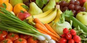 100 دودة برأس طفلة بسبب فاكهة غير مغسولة