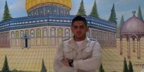 الأسير حسن شوكة يواصل إضرابه رغم تجميد اعتقاله الإداري