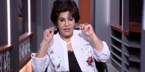 الكاتبة الكويتية ليلى أحمد تنتقد عاملاً مصرياً بسبب قراءته للقرآن