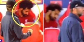 """بالصور.. تصرف صلاح بعد هدف الفوز لليفربول يفجر """"عاصفة جدل"""""""