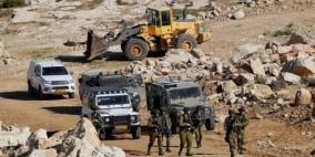 اجراءات مشددة.. الاحتلال يغلق مدخل الخان الأحمر