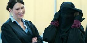 كندا تحسم قضية الشهادة بالحجاب