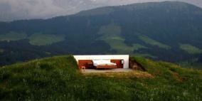 فندق سويسري.. غرفة استثنائية للنوم في الهواء الطلق