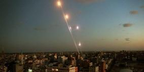 الاحتلال يدعي سقوط صواريخ أطلقت من غزة